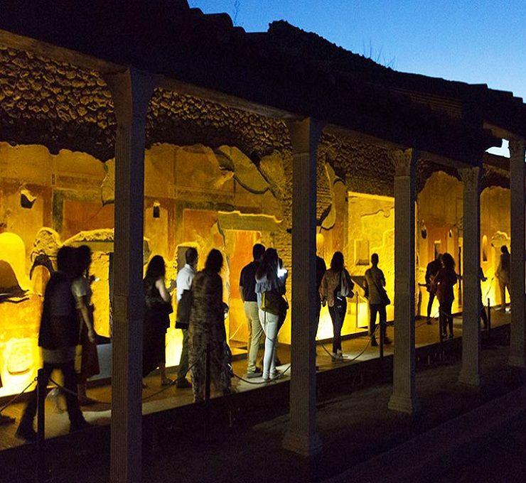 Campania,_le_passeggiate_notturne_nei_siti_archeologici_vesuviani