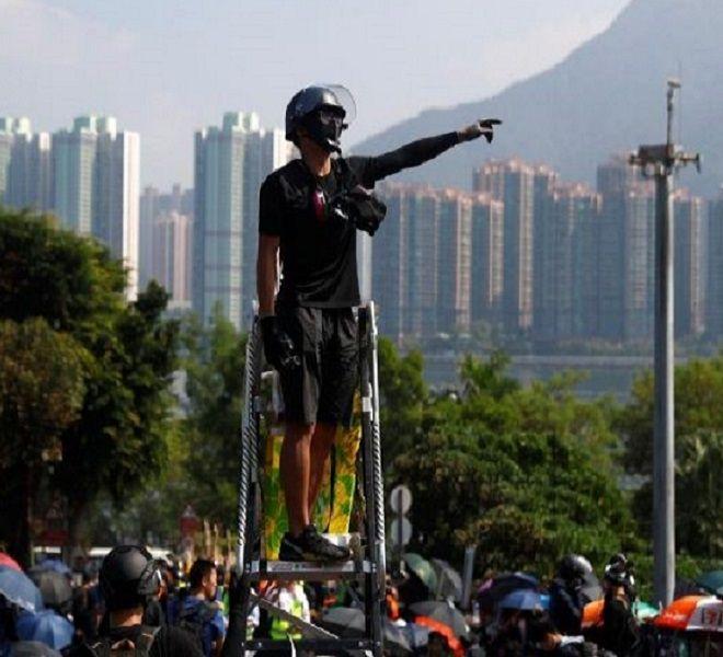 HONG_KONG,_GLI_SCONTRI_NON_SI_FERMANO