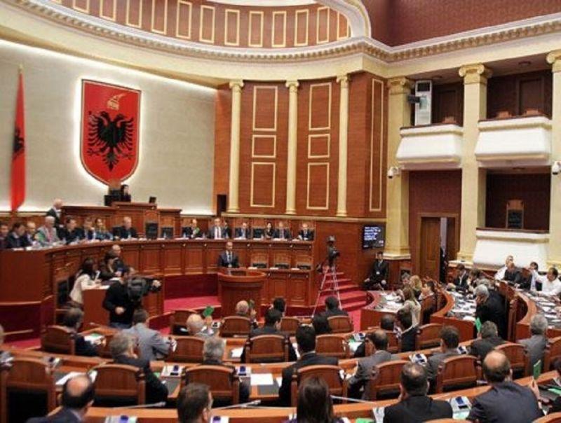 Il_Governo_Albanese_approva_la_legge_per_la_Depenalizzazione_del_Parlamento