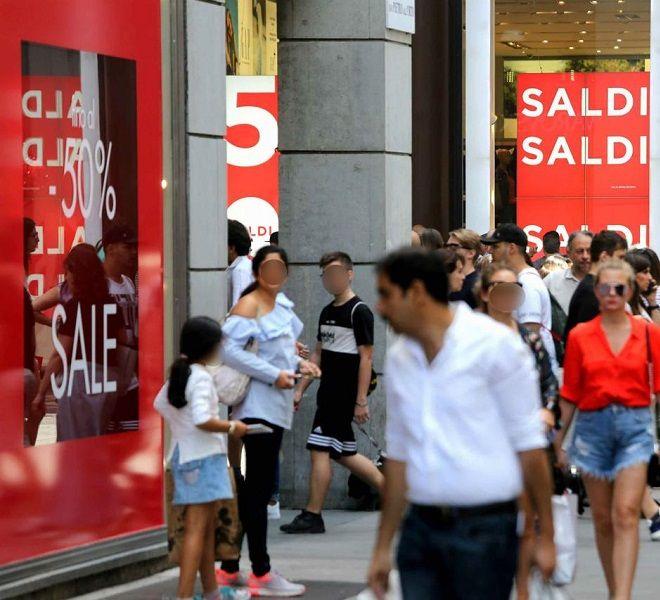 Saldi_a_rilento,_solo_43_degli_italiani_fa_shopping