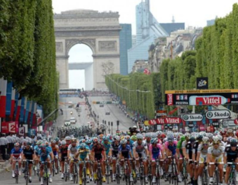 """TOUR_DE_FRANCE""_SOTTO_CHOC!"