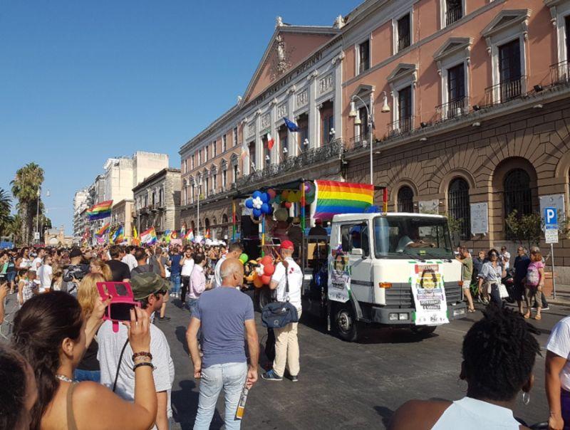 IN_PIAZZA_DELLA_LIBERTA'CON_LGBT